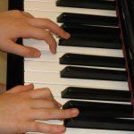 pianospelen voor kinderen